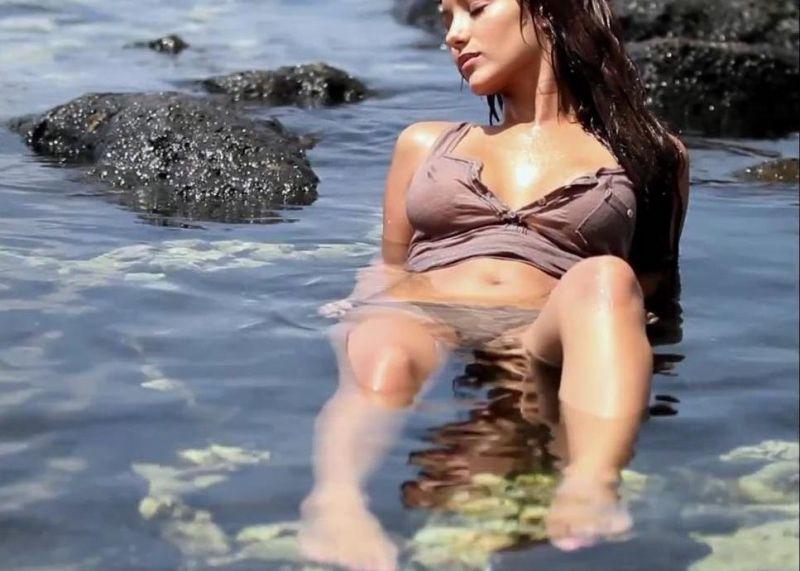 Melanie nackt Iglesias Categories
