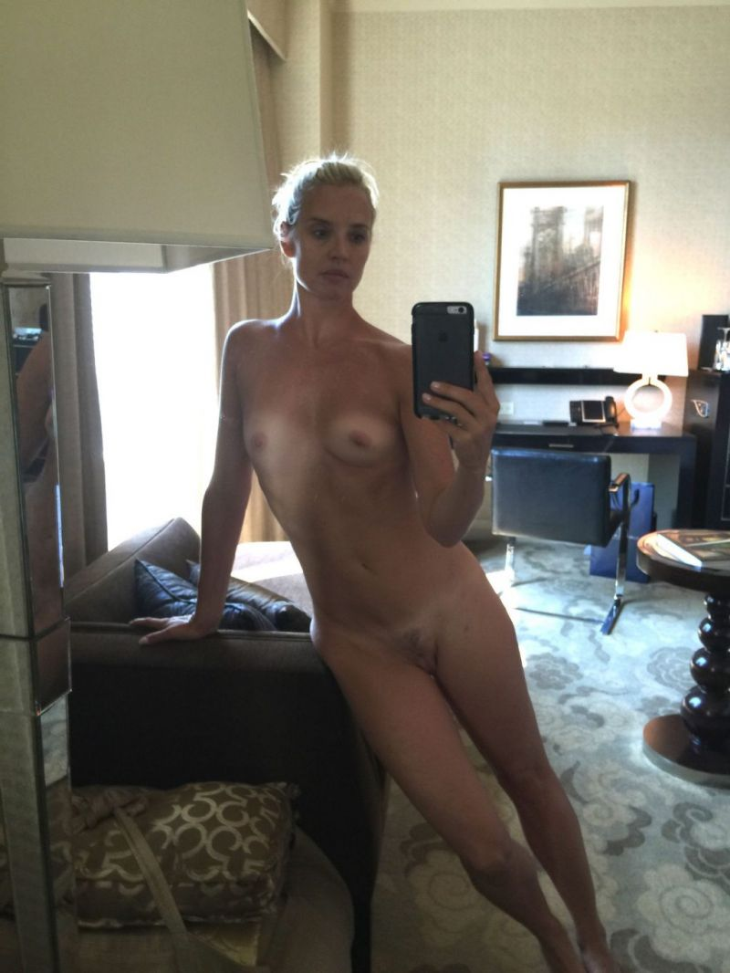 See nude leaked photos