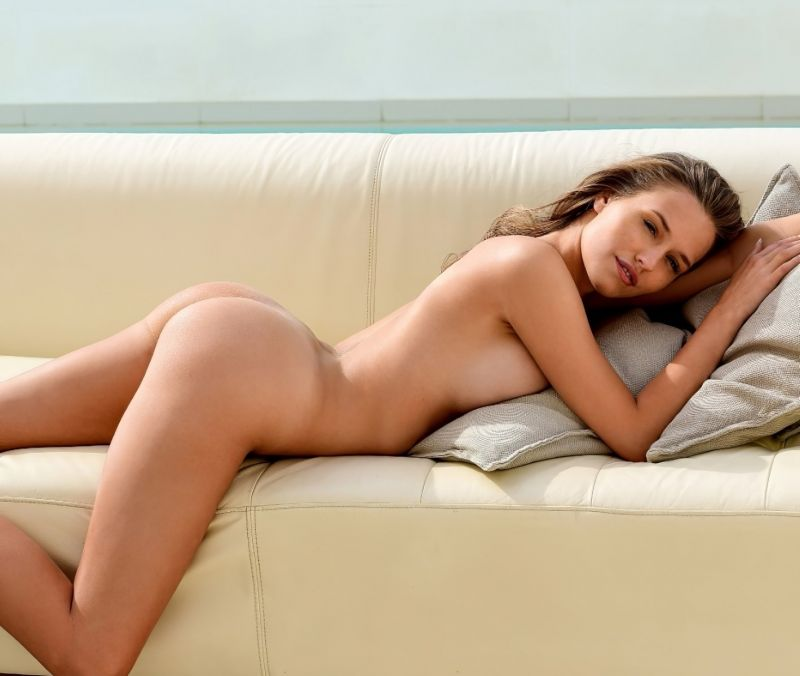Laura Muller Nude For Playboy Fappenist