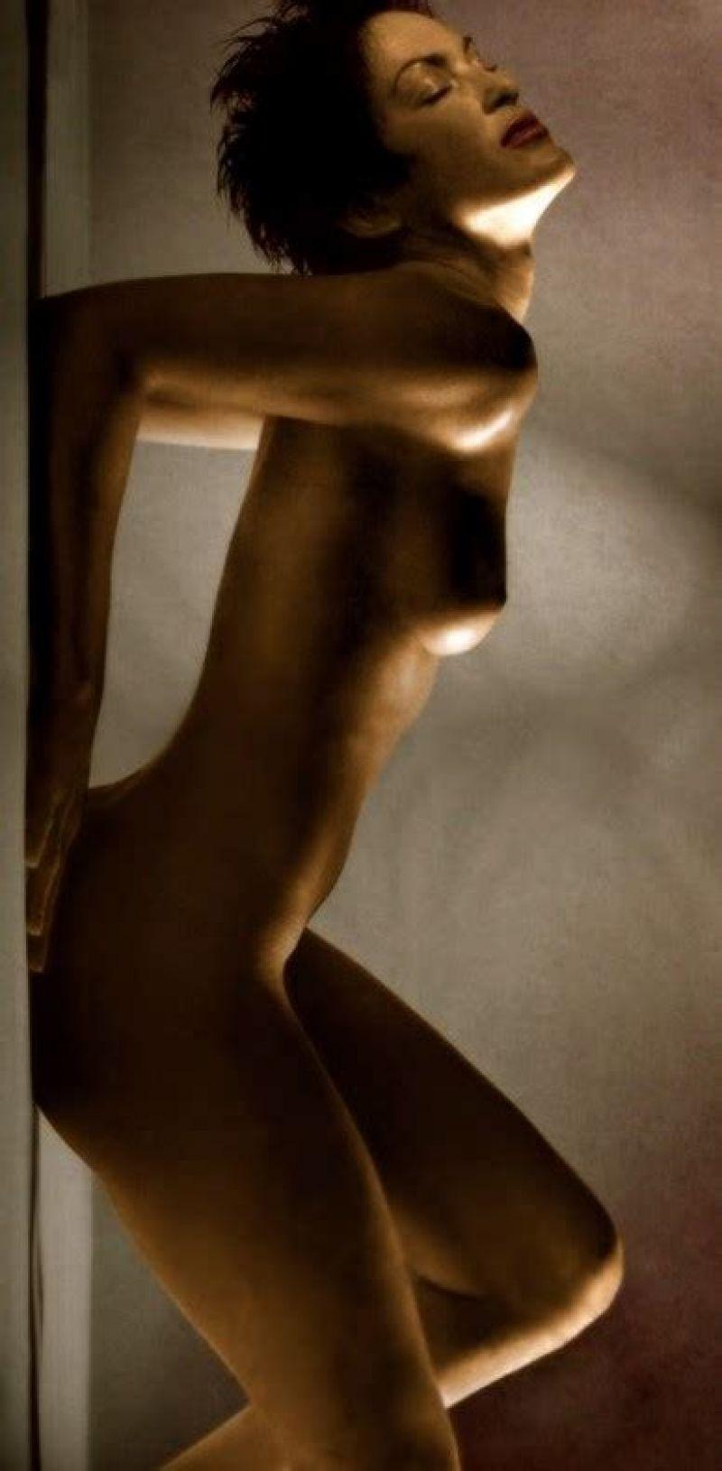 Mariska Hargitay Naked Pic