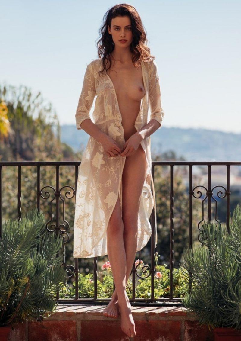 Nude sera mann Sera Mann