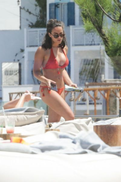 Georgia May Foote Sexy Bikini Photos