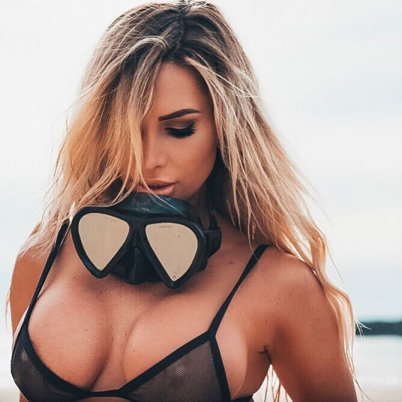 Rosanna arkle tits and ass underwater