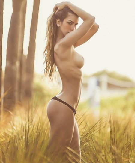 Anllela Sagra nude and sexy pics