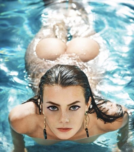 Emma Stone naked swimming and sexy ass