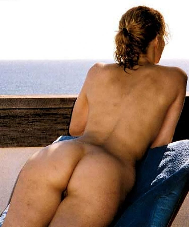 Gina Davis Panties Scenes